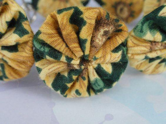 7 1/2 Yellow Sunflower on Green Yo Yo Bracelet by SursyShop, $5.00