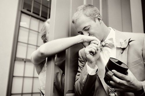 Great Blog. If you ever plan on getting married, pin this. You will be glad you did. Really cute ideas...and this is the cutest pic ever!