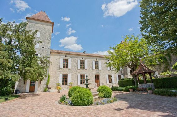 French holiday rental chateau