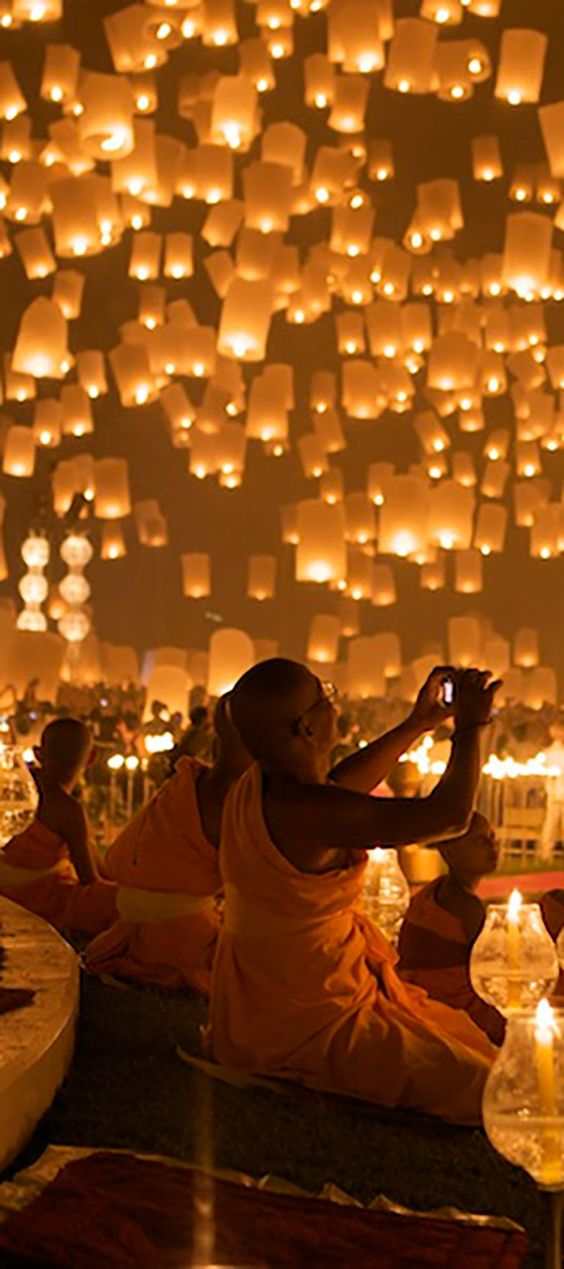 3 Secrets to Happiness Around the World -- Diwali :: Festival of Lights in India. Click through for a description of this beautiful event.