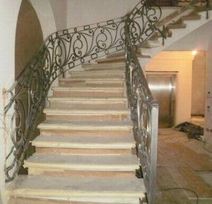 Image from http://www.wroughtironrailings.net/wp-content/uploads/2013/02/wrought-iron-balusters-300x289.jpg.