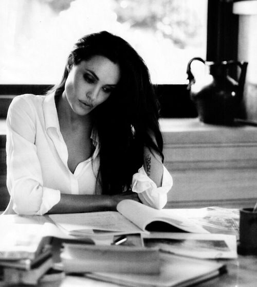 See? Even Angelina is sexier when she is reading!