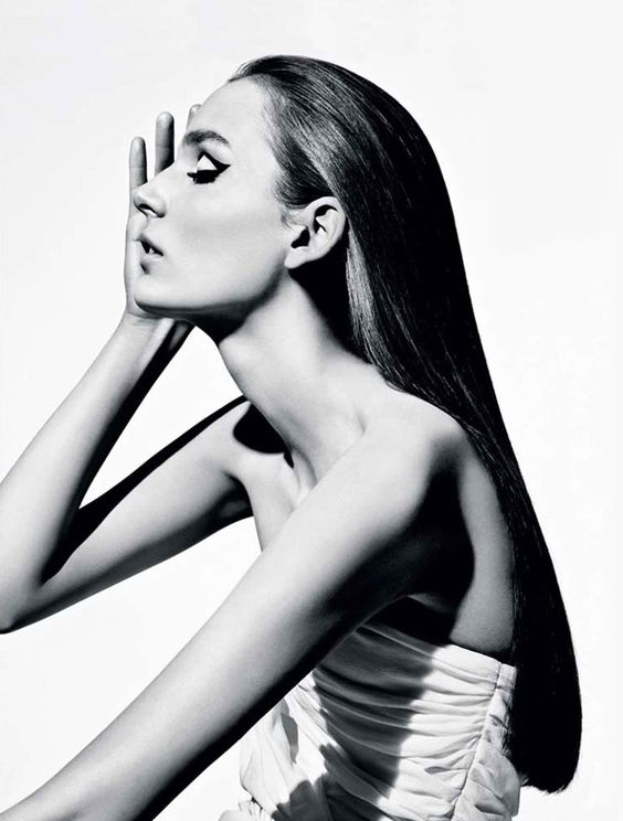 Zuzanna Bijoch pour Vogue Brazil 2014 : REVIEW FASHION http://oldfarwest.blogspot.com.br/2014/12/zuzanna-bijoch-pour-vogue-brazil-2014.html