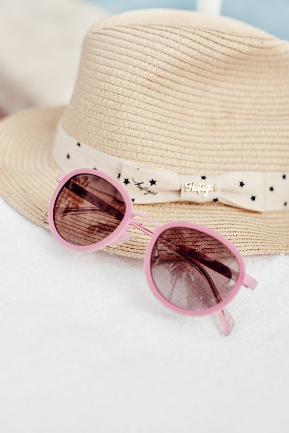 Rose-colored sunnies, anyone? #TommyHilfiger