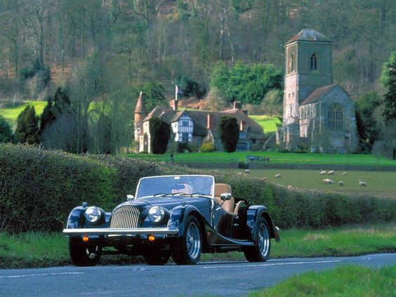 A drive in the English countryside on a summer's afternoon in a vintage Morgan.  Were off to visit the rest of England. #Amandaforeveraloe #Globaloptions