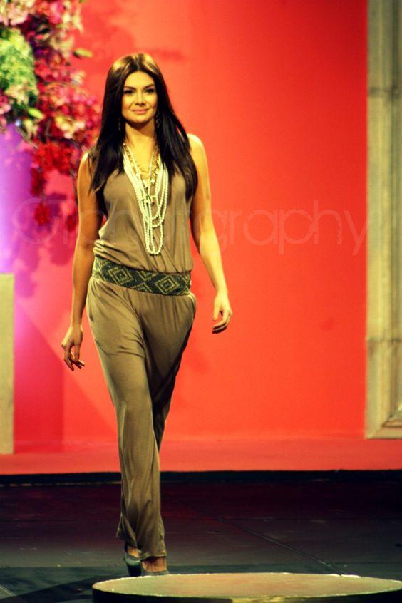 Pfw Philippine Fashion Week Charlene Gonzales Fashyon Pinterest Philippines Fashion Weeks