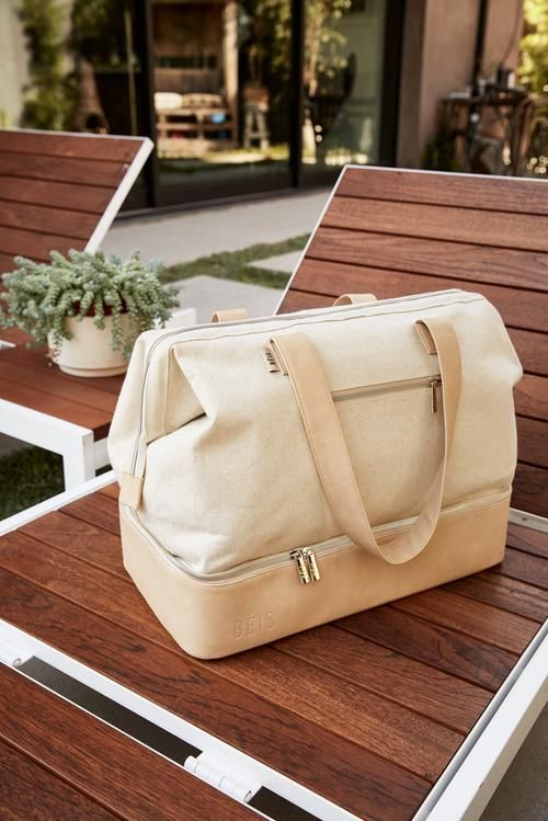The Weekender In Beige 2019 Best Travel Bags