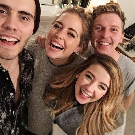 Getting excited for Christmas with @seanelliottoconnor @poppydeyes & @Zoella