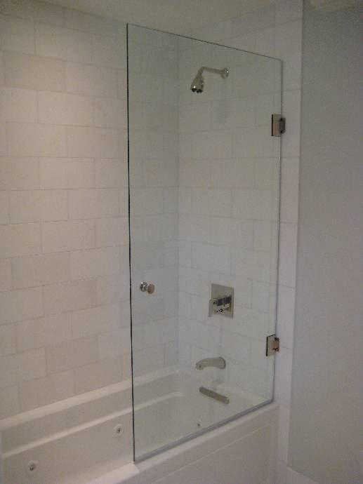 Bath Tub Half Glass Half Glass Door Nice Hardware