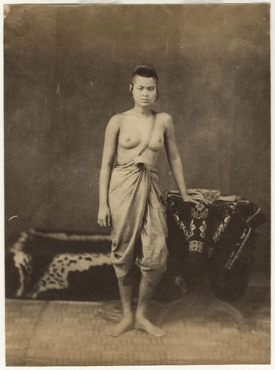 nude photos of women of siam