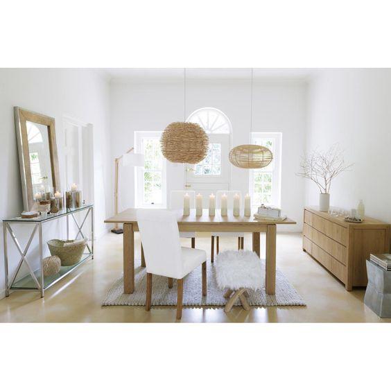 Comedor. mesa madera, sillas blancas. mueble vajillero de madera ...