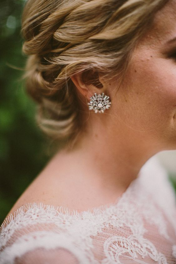 wedding jewelry - photo by Yes Dear Studio http://ruffledblog.com/romantic-garden-wedding-with-vintage-details