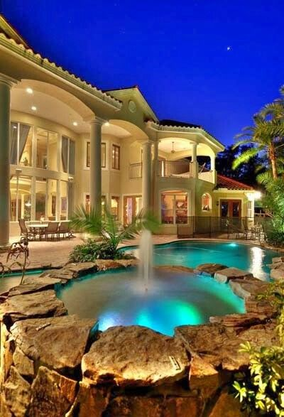 Mansions pools and luxury on pinterest for Beautiful house designs with swimming pool