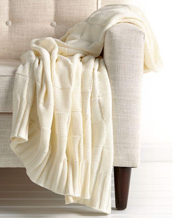 Spotted this Melange Cloud White Block Knit Throw on Rue La La. Shop (quickly!).