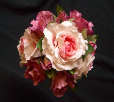 I adore these coloured roses!