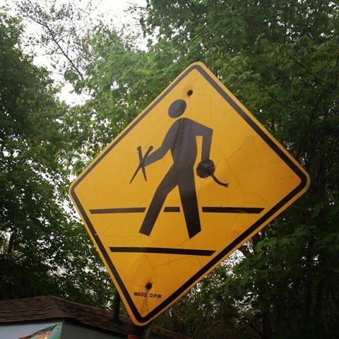 """дорожный знак """"Внимание, любители вязания!"""".  Предлагаю установить возле семеновской фабрики и у всех рукодельных магазинов"""