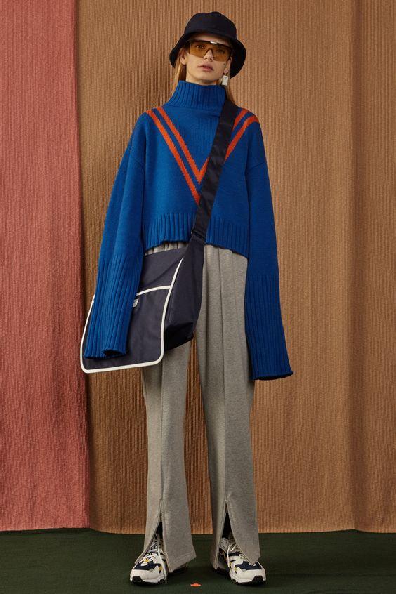 Cropped long sleeve knitwearBlue