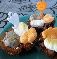Haunted S'mores Cups recipe - Recipe and Photo by Blogger, Xenia Sundell of www.thanksmailcarrier.com