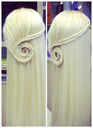 Nautilus Herringbone -- if I straighten my hair, this might look decent...