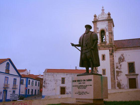 Estatua de Vasco de Gama en Sines (Costa Alentejo, Portugal)