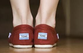 TOMS WOMEN'S CLASSICS CANVAS RED SHOES    #tomsshoesale