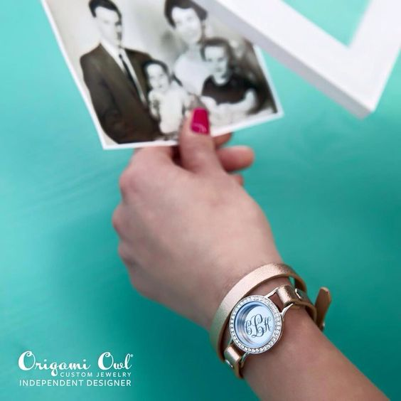 In{script}ions Coming February 17th Your story. Your way. Want to earn your {Free}? Message me today for details! www.kristinacooper.origamiowl.com