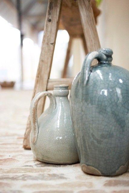 Keramieken vazen passen in een modern landelijk of klassieke woonboerderij