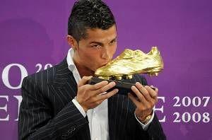 Cristiano Ronaldo, y el uruguayo de Liverpool, Luis Suárez, compartirán la Bota de Oro al máximo goleador de Europa