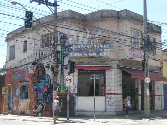 Corner Grafitti House at Rua Belmiro Braga and Rua Cardeal Arcoverde, São Paulo