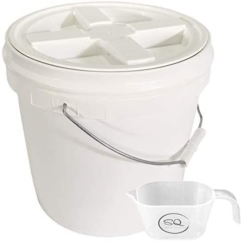 2 Gallon Food Grade Bpa Free Letica Bucket With Gamma Seal Lid Lid Has Been Installed To The Bucket Bundle And In 2020 Food Grade Buckets Cooking Stores Food Grade