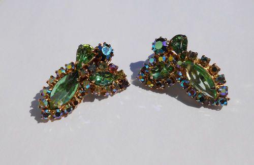 VINTAGE green AB ROUND NAVETTE large RHINESTONES Juliana D CLIP earrings WOW