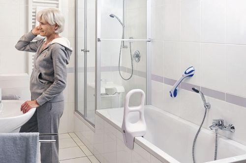 Haltegriffe und Einstiegshilfen bieten Sicherheit beim Baden und Duschen.  Sie verhindern Stürze und erleichtern den Einstieg in Dusche und Badewanne.