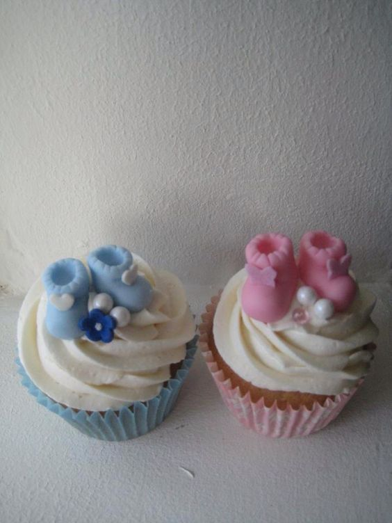 Baby shower baby booty cupcakes