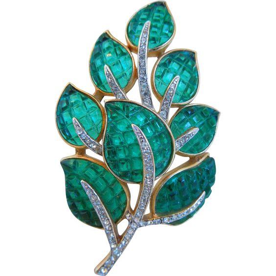 "Vintage Crown Trifari ""Alfred Philippe"" Emerald Green Diamante Rhinestones Leaf Pin Or Brooch"