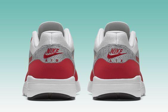 Nike Creates the Lightest Air Max 1 with Flyknit - EU Kicks: Sneaker Magazine