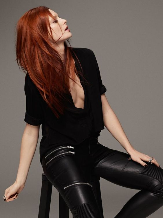 """Nicht nur die Haarfarben, sondern auch das Styling darf 2017 wild und dynamisch sein. Das Segment """"Ultra Volume"""" der Stylingserie StyleSign von Goldwell wurde für feines und kraftloses Haar entwickelt und verleiht dem Haar Volumen, Textur und gibt langanhaltend starken Halt. Hier präsentieren wir euch die schönsten Frisuren und Styling-Tipps für rote Haare #womenhaircolor"""