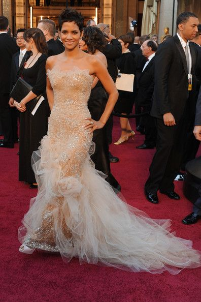 Halle Berry in Marchesa 2011