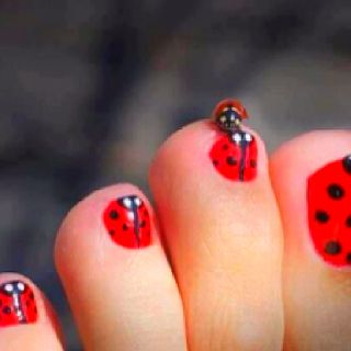 Polish nails - These are cute!