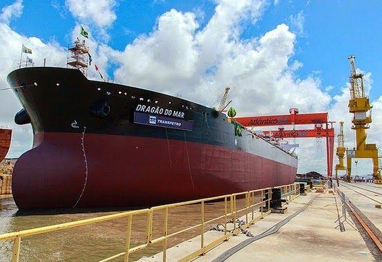 Pregopontocom @ Tudo: Indústria naval gera riquezas e empregos para o pa...  Dilma lembrou que a indústria naval do país vive uma retomada a partir de decisão do governo de priorizar o produto nacional e passar a produzir no país os navios, plataformas e estaleiros de que a Petrobras necessita.