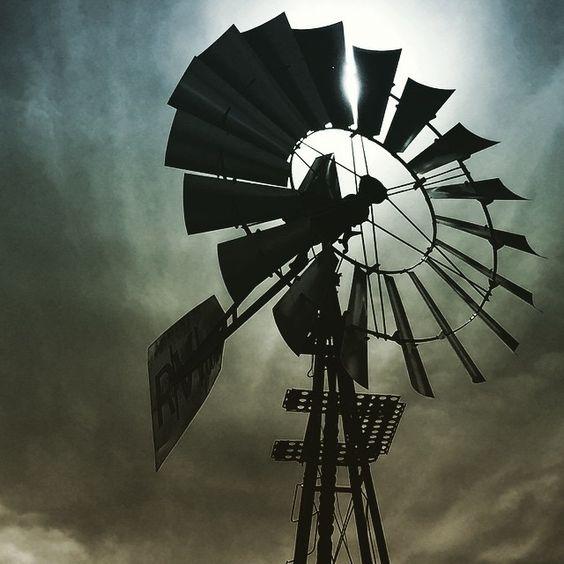 Our windmill is just darn photogenic!  @ Edgington Garden RV Park