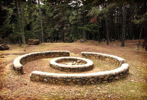 Indispensables #Gúdar: Área recreativa de la Fuente de la Dehesa. ruta: Barranco de las Umbrías www.gudarsierraaventura.com