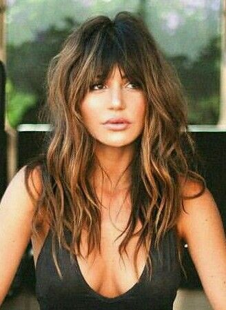 Messy hair style with bangs #hairstyles #hair #style #BobCutHairstylesWithBangs