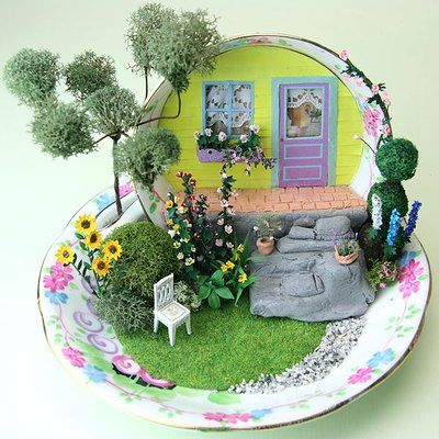 Detailed Landscaping in 1:48 Scale - The Tea Cup Front Porch Garden: