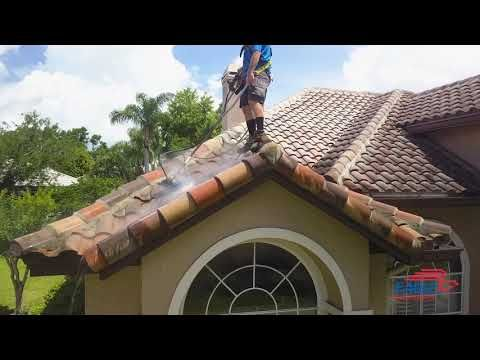 Pressure Cleaning Roof Tiles In 2020 Concrete Roof Tiles Pressure Washing Roof
