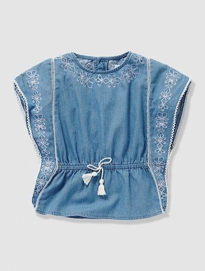 Blusa estilo poncho em cambraia, para menina AZUL MEDIO LISO COM MOTIVO