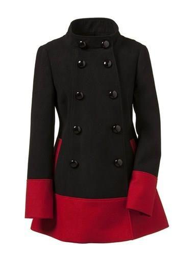 Abrigo con bajos rojos Primark