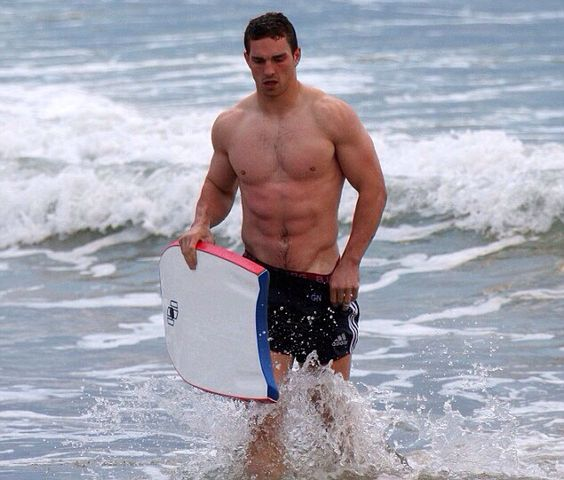 George North doing some Baywatch action ;)