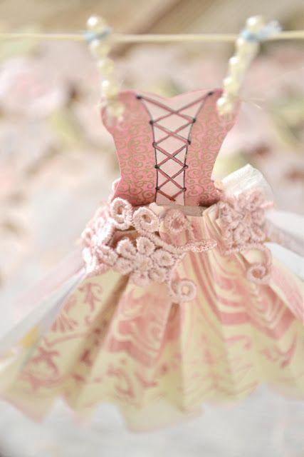 Jennelise Craft:: Gorgeous Sweet Hanging Dress Decor !