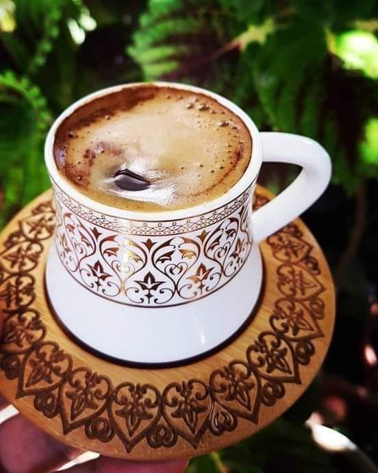 القهوة هي مشروب الأفراح و الأحزان ومحطات السفر ولقـاء الاصدقاء انها صديقة الانتظار و صديقتي صباح الخير Dry Skin Care Latte Glassware