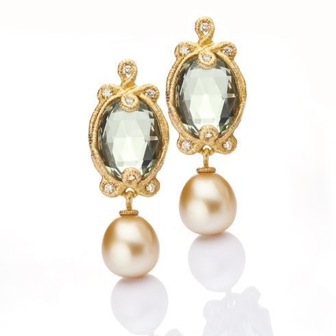 "Brigitte Adolph - ""Undine"" studs from her Spitzen-Schmuck collection in yellow gold (750), champagne-coloured diamonds, green quartzes, and golden South Sea pearls"